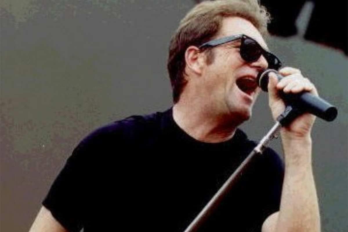Huey Lewis performing in 2006