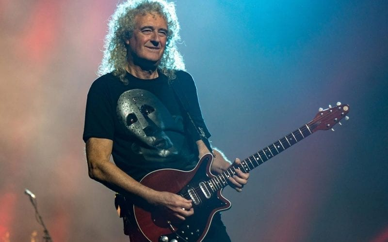 Brian May playing his custom Red Special
