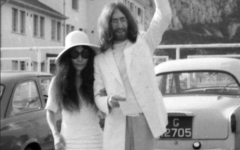 Yoko Ono and John Lennon wedding photo
