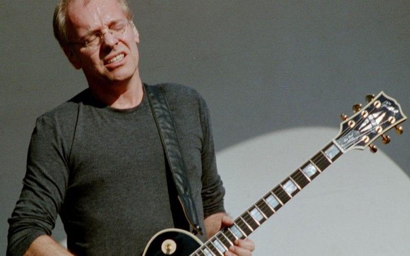 Peter Frampton performing in 2006