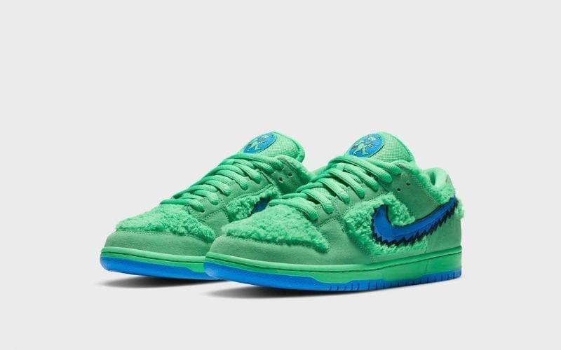 Nike SB Dunk Low Grateful Dead sneakers in green