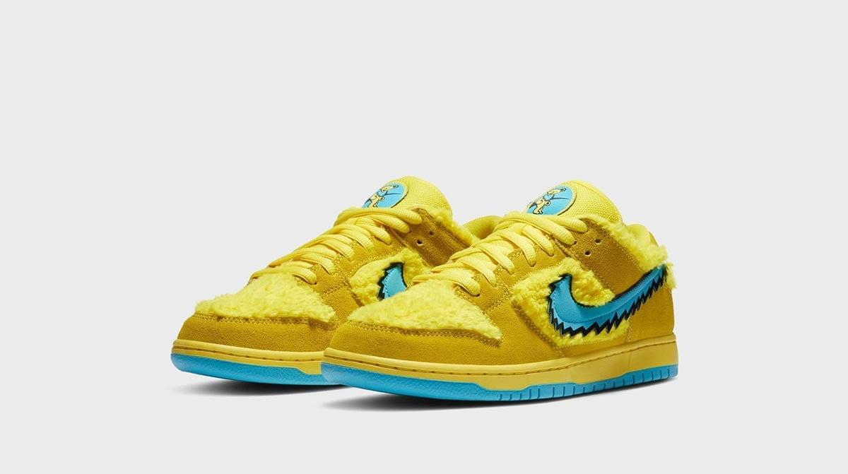 Nike SB Dunk Low Grateful Dead sneakers in yellow